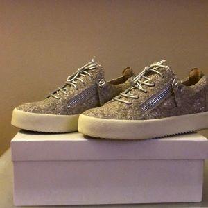 Giuseppe Zanotti champagne glitter zip sneaker 👟